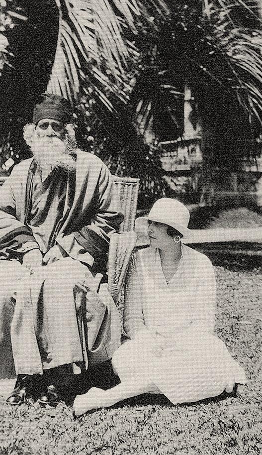 Junto a Rabindranath Tagore